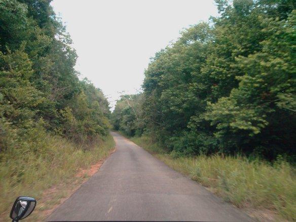Jalan dari Argo Resrot menuju Lagoi